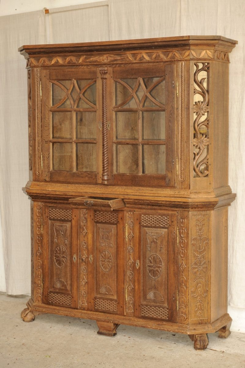 barock anrichte mit aufsatz antik im hof barock anrichte barock anrichte mit vitinenaufsatz. Black Bedroom Furniture Sets. Home Design Ideas