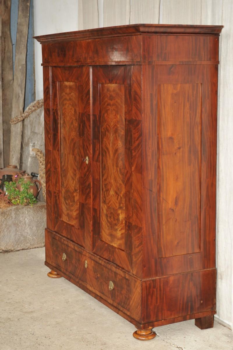 biedermeier dielenschrank mahagoni auf eiche antik im hof. Black Bedroom Furniture Sets. Home Design Ideas