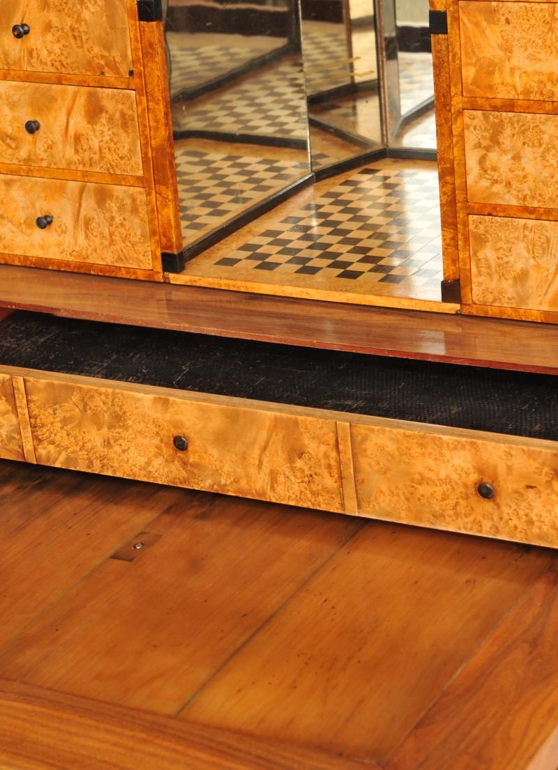 biedermeier sekret r nussbaum antik im hof. Black Bedroom Furniture Sets. Home Design Ideas