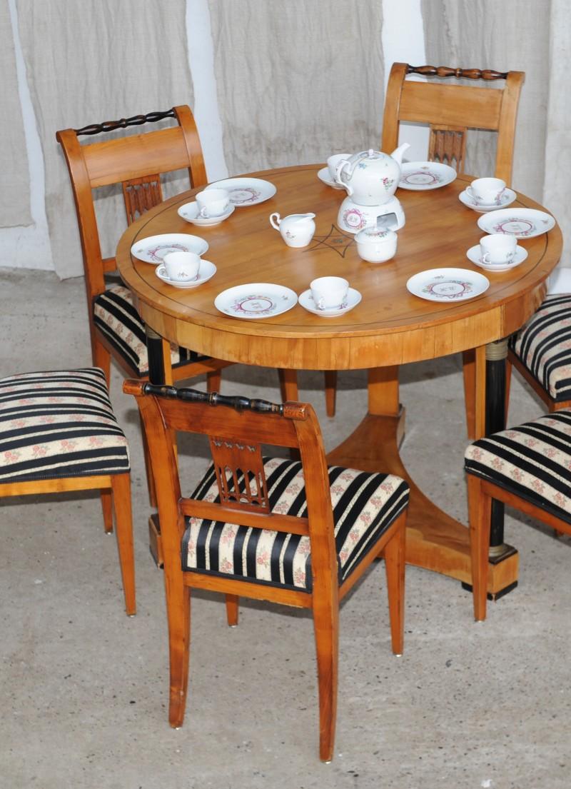 biedermeier tisch mit 6 st hlen kirsche antik im hof. Black Bedroom Furniture Sets. Home Design Ideas