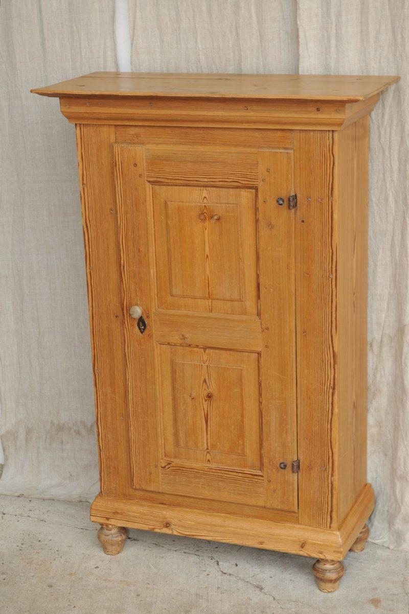 brotschrank barock weichholz pfeilerschrank antik im hof. Black Bedroom Furniture Sets. Home Design Ideas