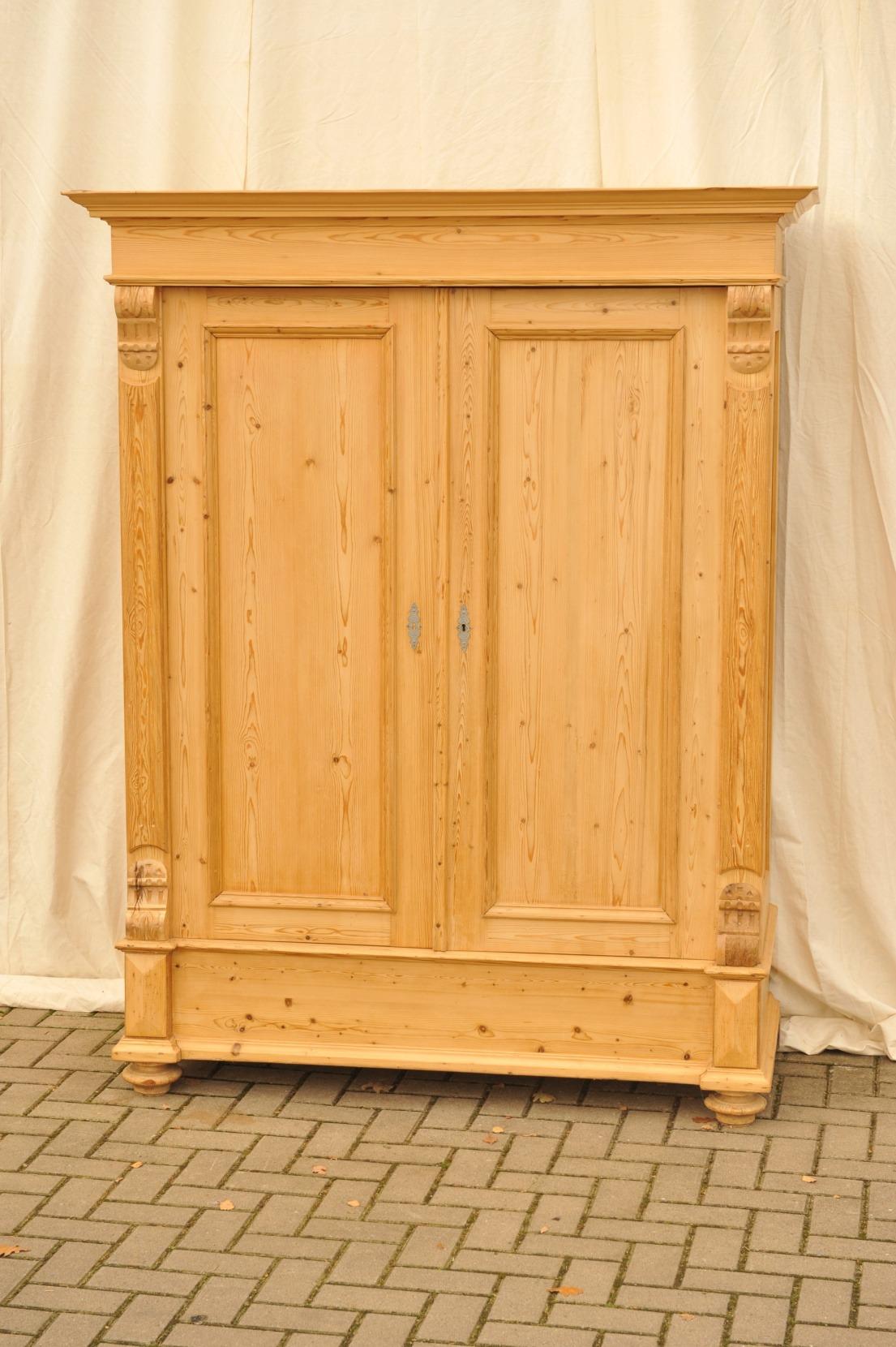 Antiker Kleiderschrank Gründerzeit zerlegbar | Antik im Hof