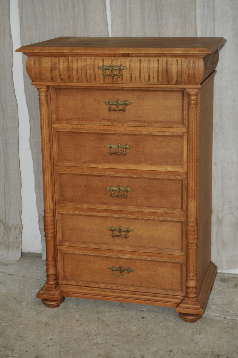 gr nderzeit kommode eiche herrenkommode antik im hof. Black Bedroom Furniture Sets. Home Design Ideas