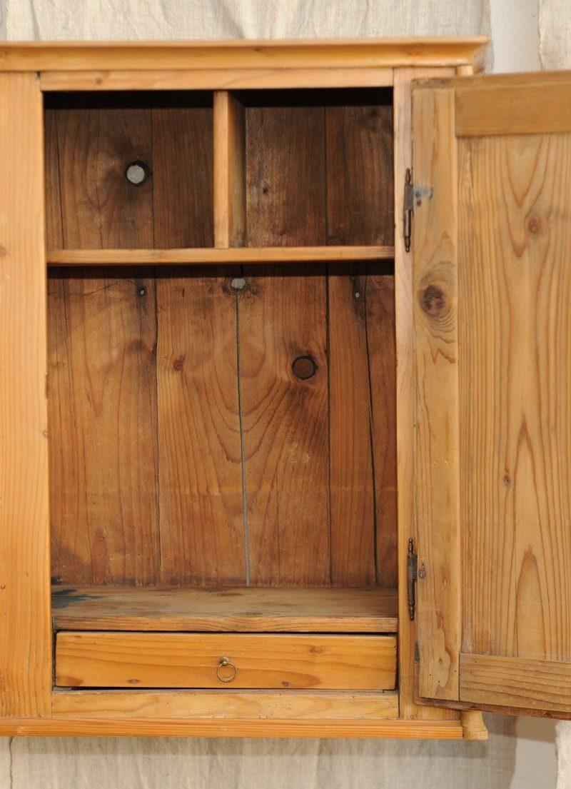 medizinschrank weichholz antik im hof. Black Bedroom Furniture Sets. Home Design Ideas