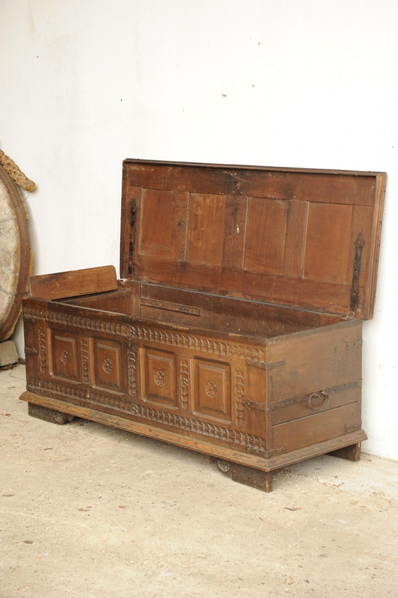 truhe eiche 17 jahrhundert antik im hof. Black Bedroom Furniture Sets. Home Design Ideas