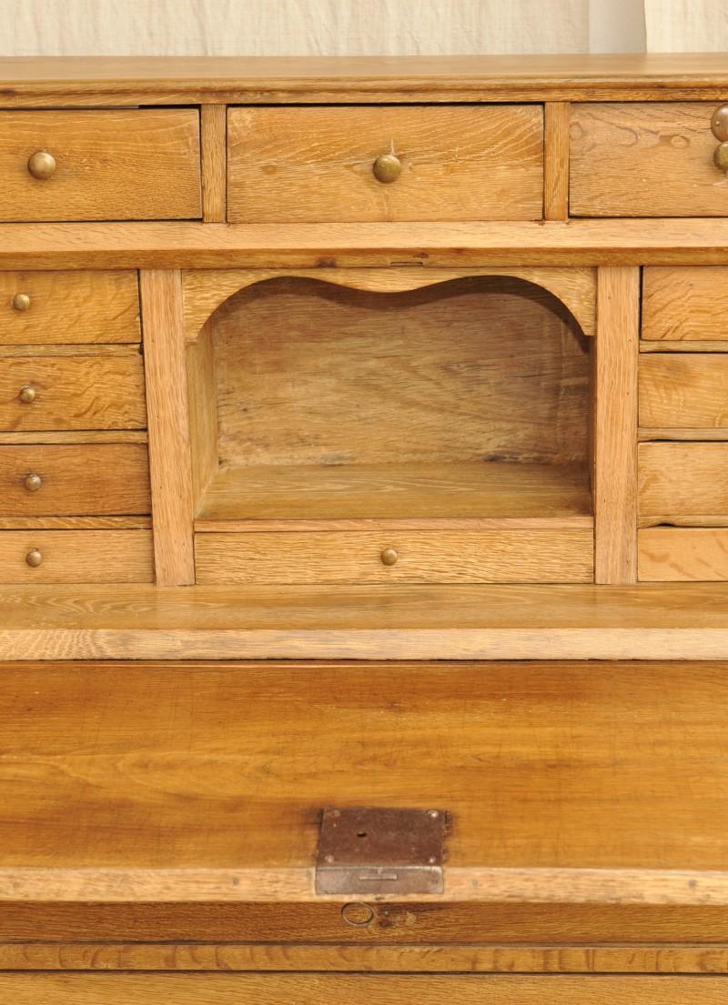 alter eiche sekret r um 1800. Black Bedroom Furniture Sets. Home Design Ideas