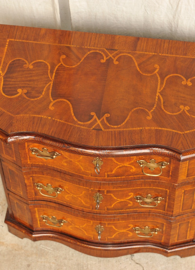 kleine barock kommode braunschweig antik im hof. Black Bedroom Furniture Sets. Home Design Ideas