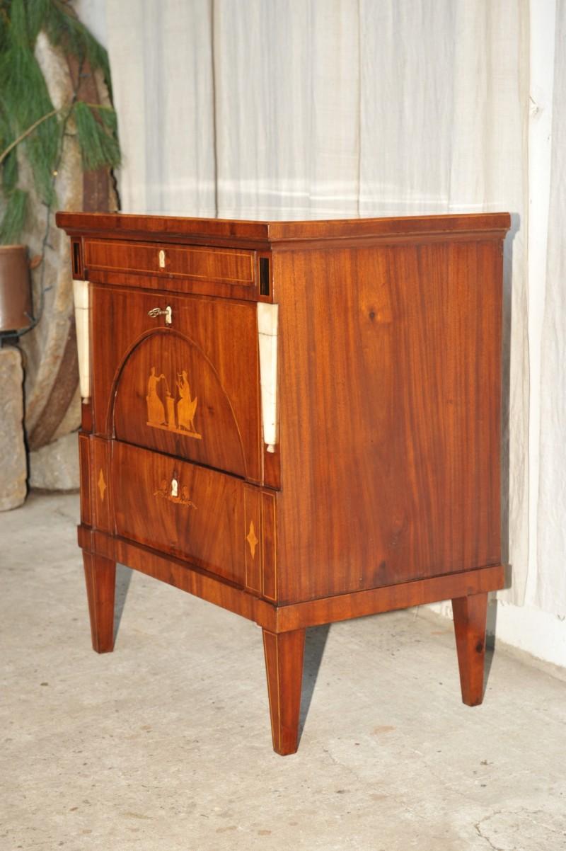 kleine klassizismus kommode mahagoni antik im hof. Black Bedroom Furniture Sets. Home Design Ideas