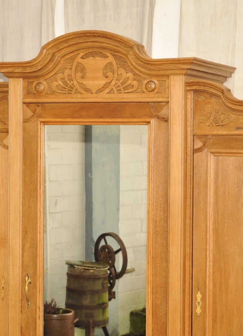 gro er spiegelschrank antik eiche jugendstil antik im hof. Black Bedroom Furniture Sets. Home Design Ideas