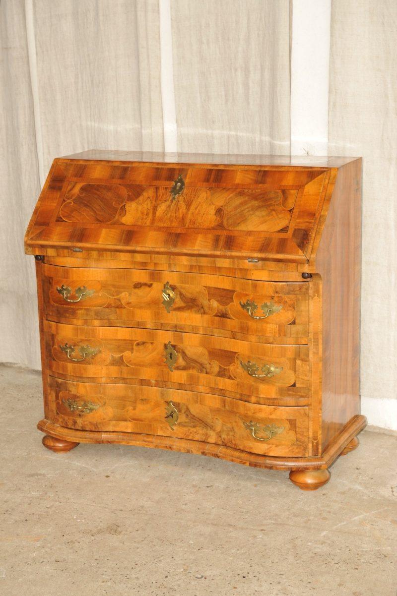 kleiner barock sekret r nussbaum braunschweig antik im hof. Black Bedroom Furniture Sets. Home Design Ideas