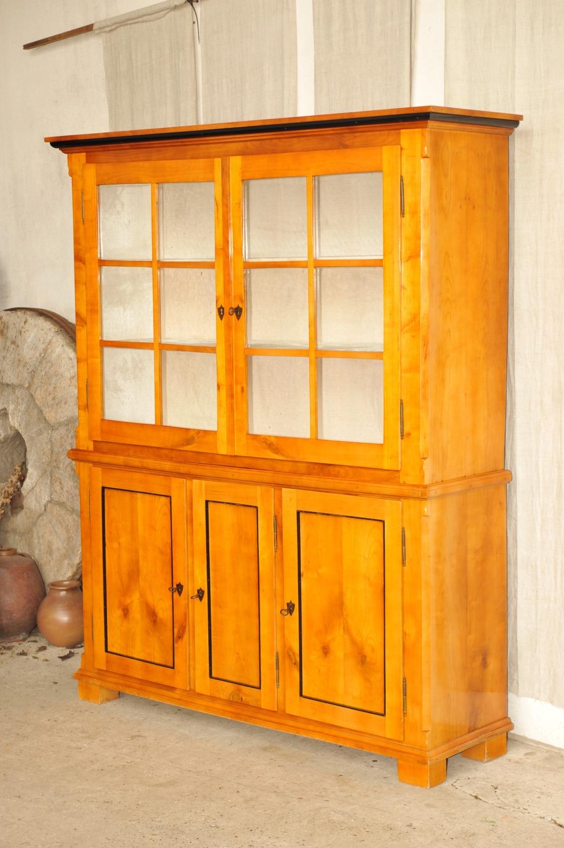 biedermeier anrichte mit vitrinenaufatz kirsche antik im hof. Black Bedroom Furniture Sets. Home Design Ideas