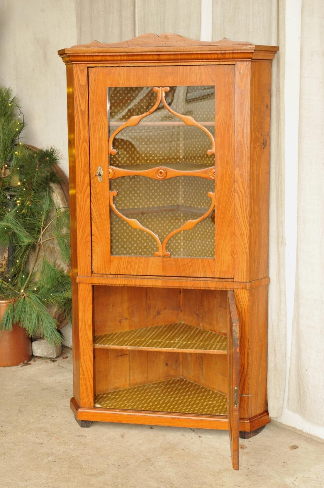 biedermeier eckschrank esche antik im hof. Black Bedroom Furniture Sets. Home Design Ideas