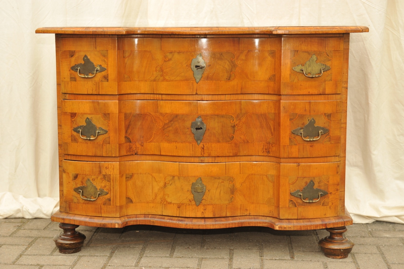 barock kommode braunschweig antik im hof barock kommode braunschweig barock kommode mit. Black Bedroom Furniture Sets. Home Design Ideas