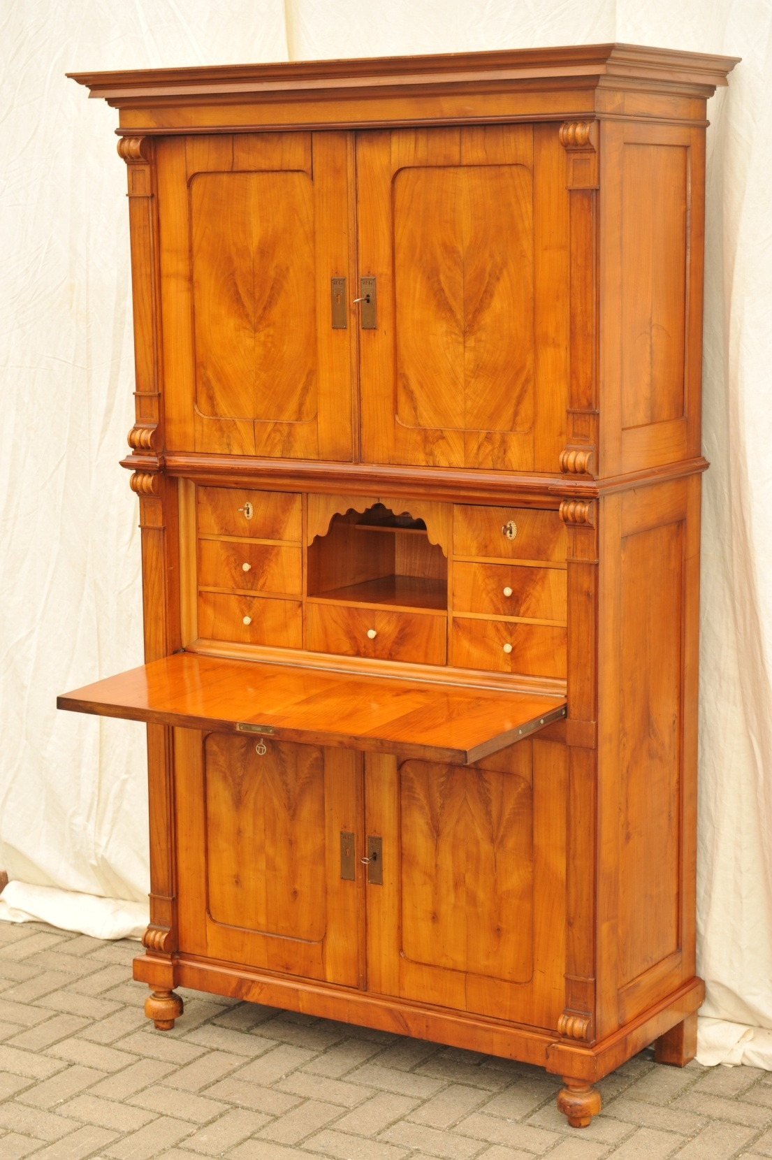 aufsatzsekret r kirsche antik antik im hof antiker sekret r kirsche kirschbaum sekret r. Black Bedroom Furniture Sets. Home Design Ideas