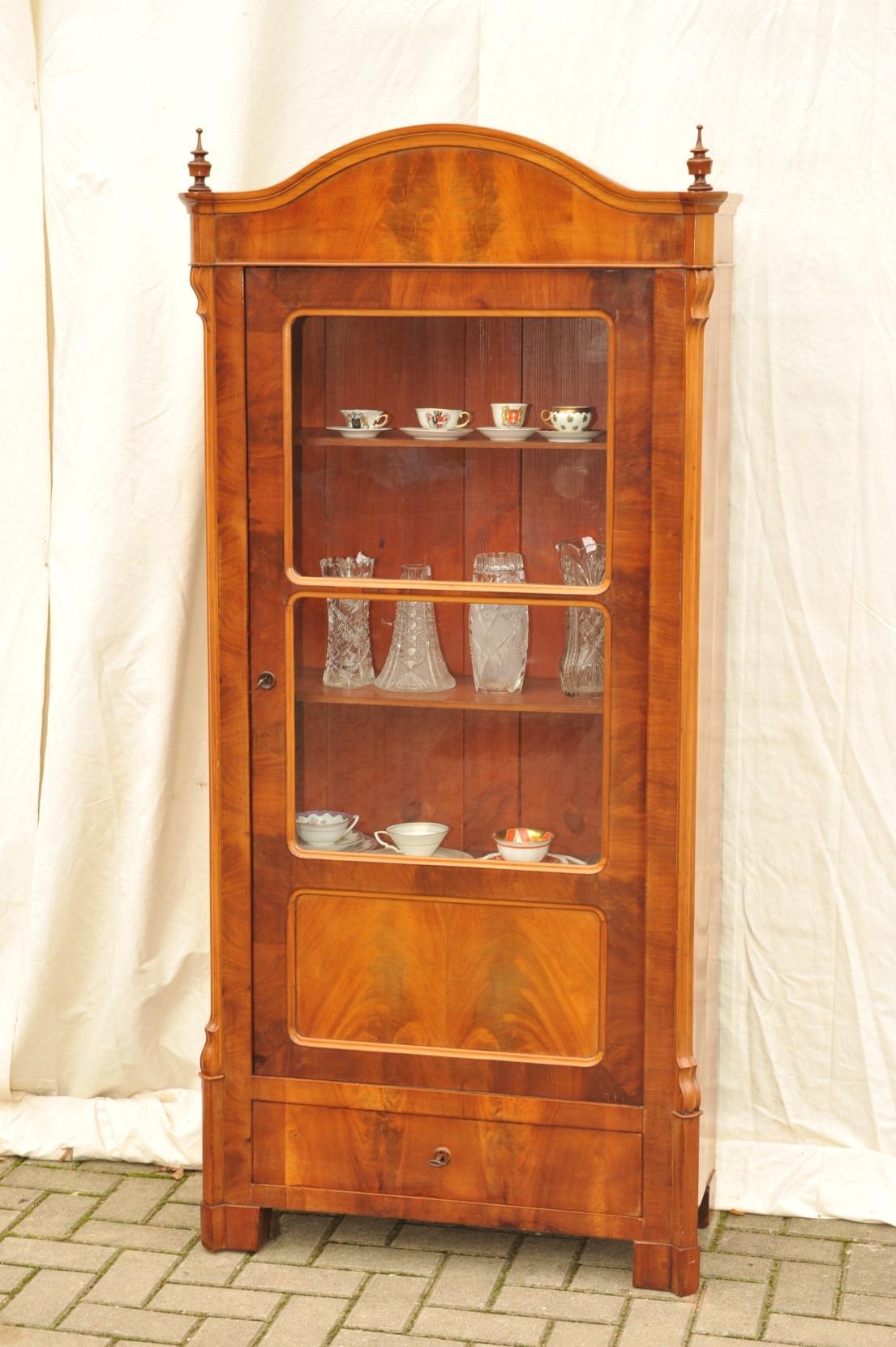 kleine louis philippe vitrine b cherschrank antik im hof. Black Bedroom Furniture Sets. Home Design Ideas