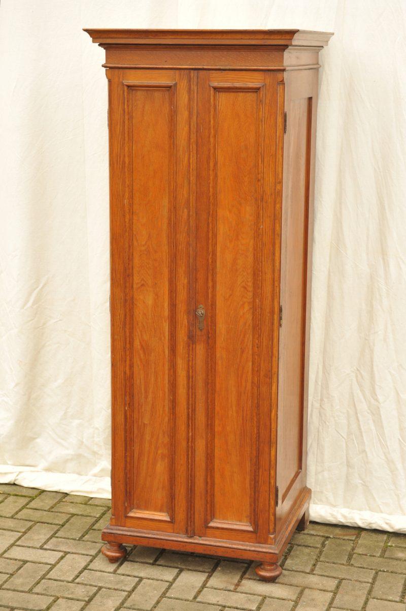 Zerlegbarer Kleiderschrank Eiche 68,5 cm breit   Antik im Hof