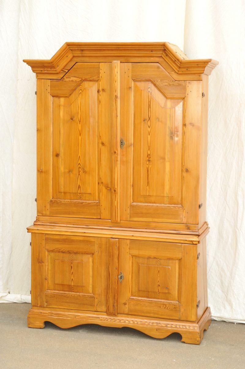 barock anrichte mit aufsatz weichholz antik im hof antike anrichte mit aufsatz antiquit t. Black Bedroom Furniture Sets. Home Design Ideas