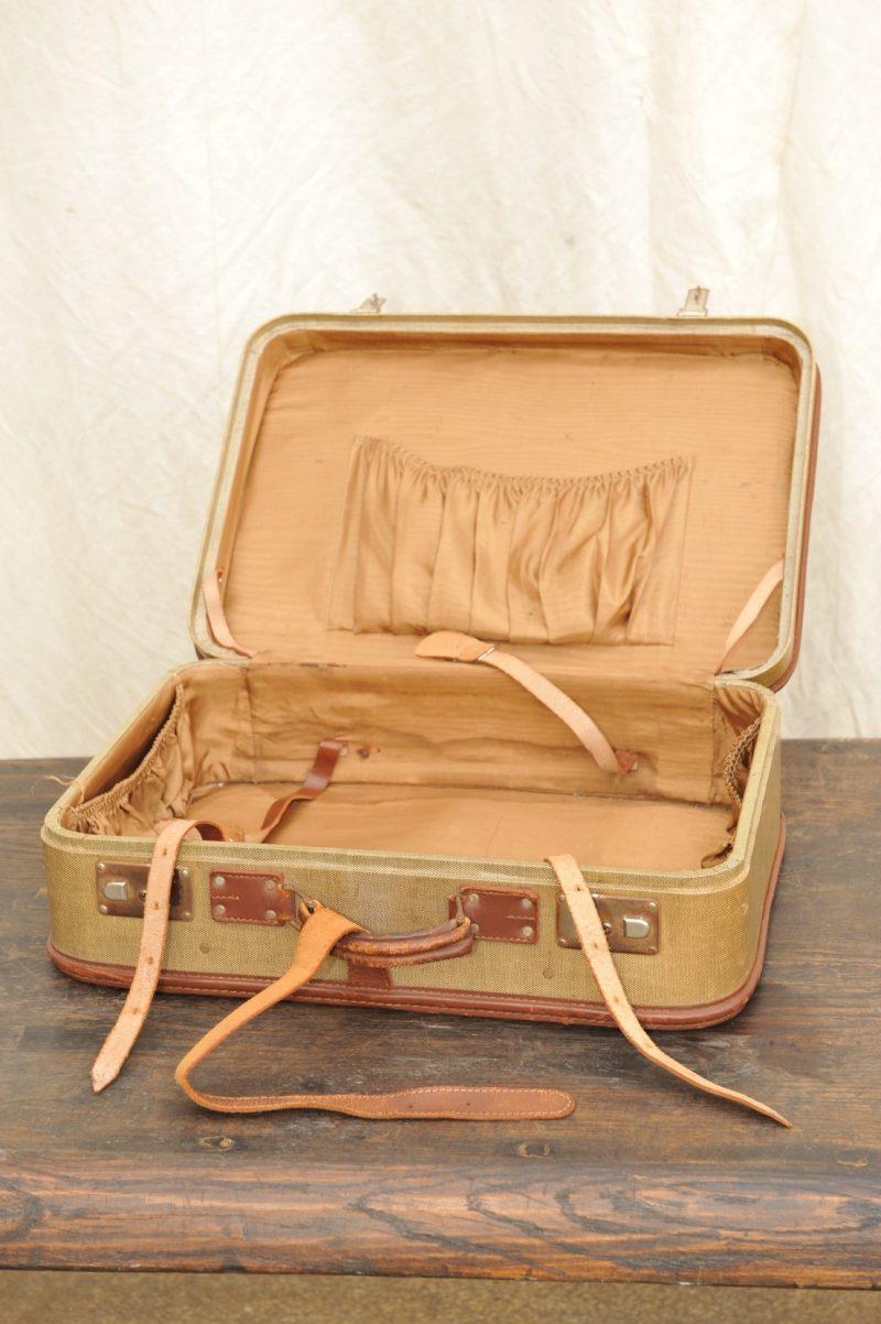 antiker Koffer, alt, mit Leder besetzte Kanten