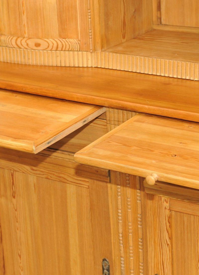 Detail Küchenschrank Kiefer Jugendstil