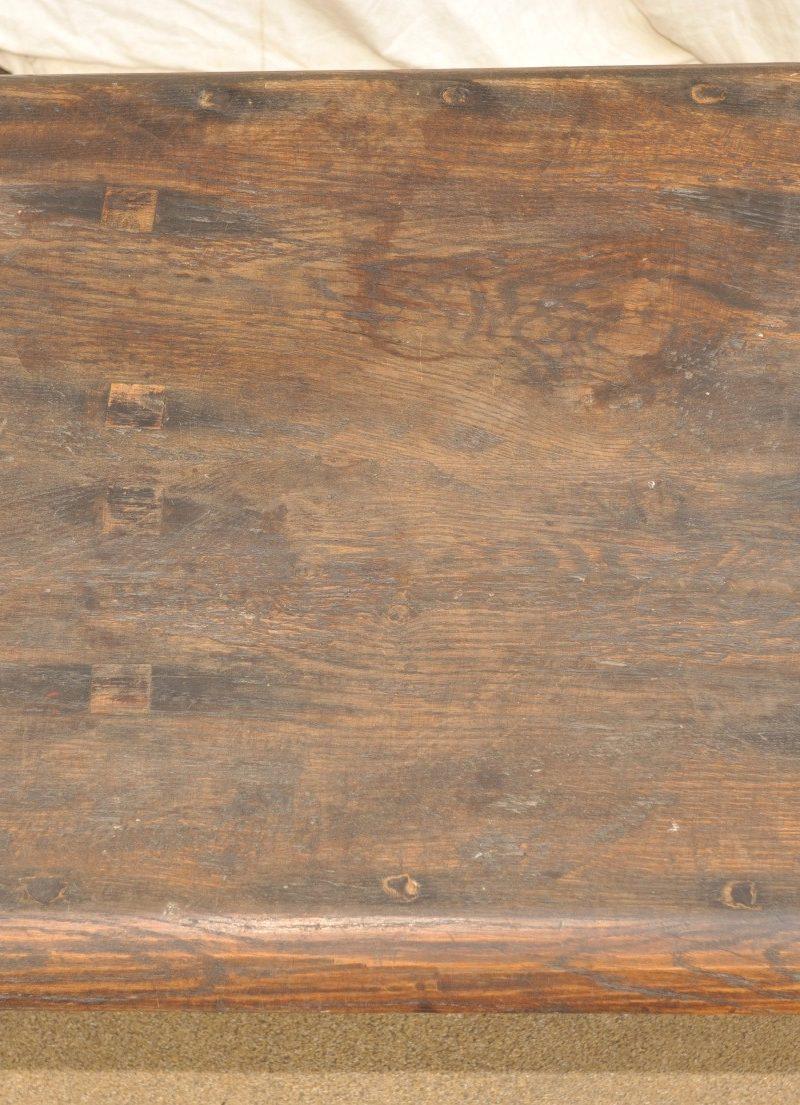 antiker rustikaler Eichentisch mit dicker Platte