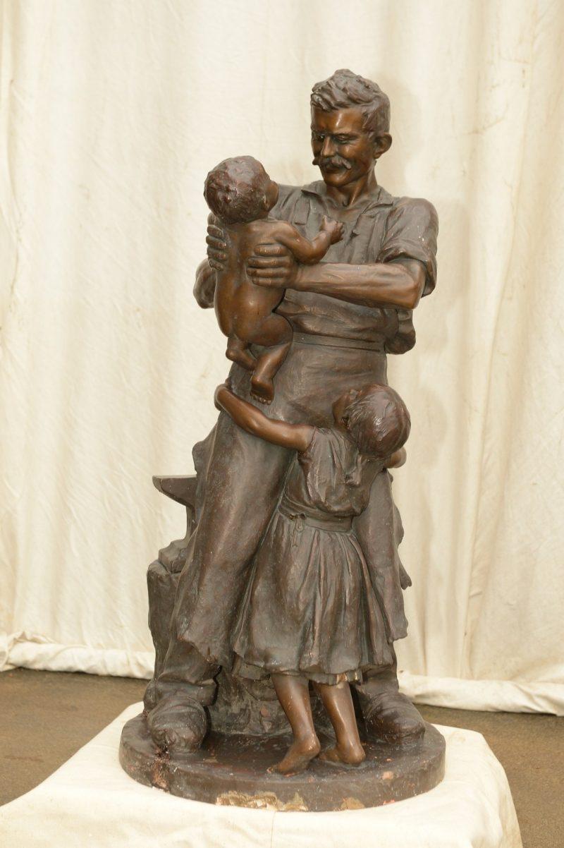 Figurengruppe Schmied mit Kindern von Kowarzik