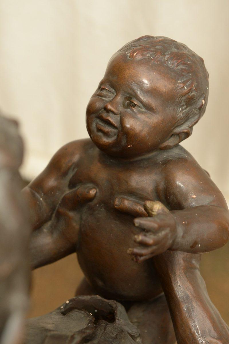 Detail Figurengruppe Schmied mit Kindern von Kowarzik