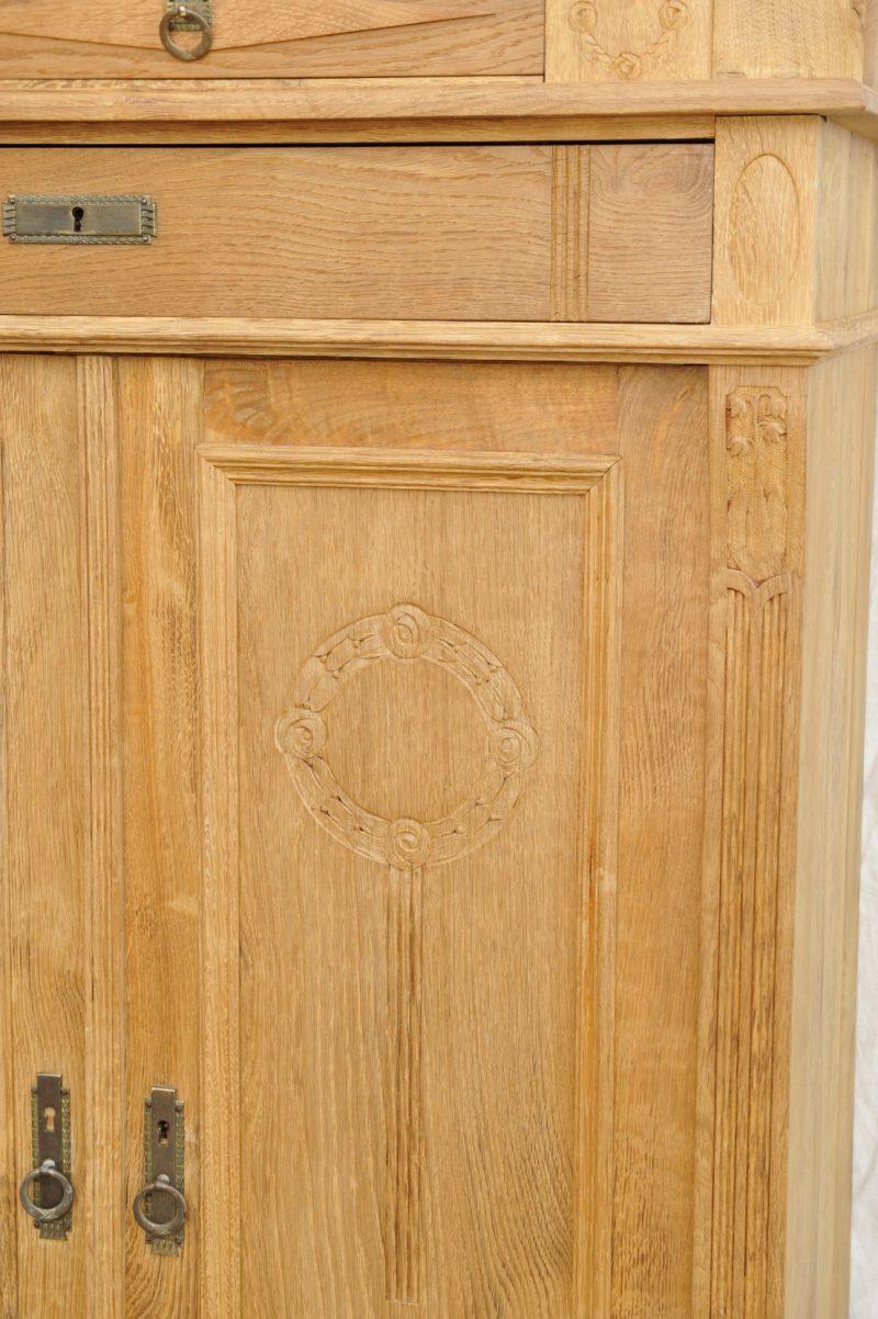 Tür Zweitüriges Vertiko mit Spiegelaufsatz
