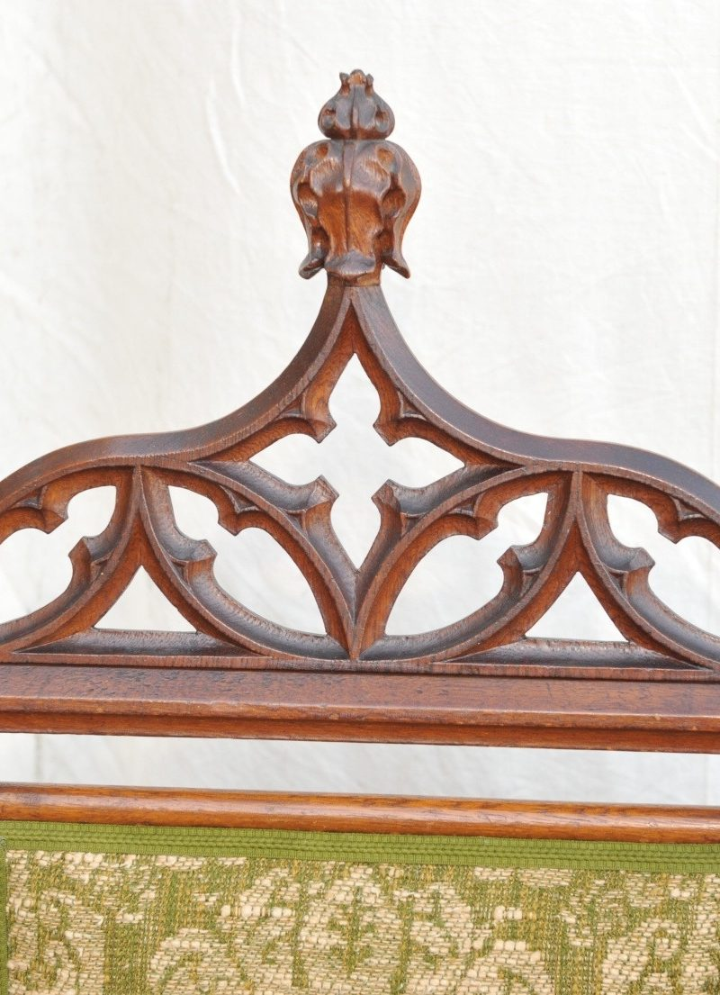 Detail Paar Hochlehner Sessel Neo- Gotik