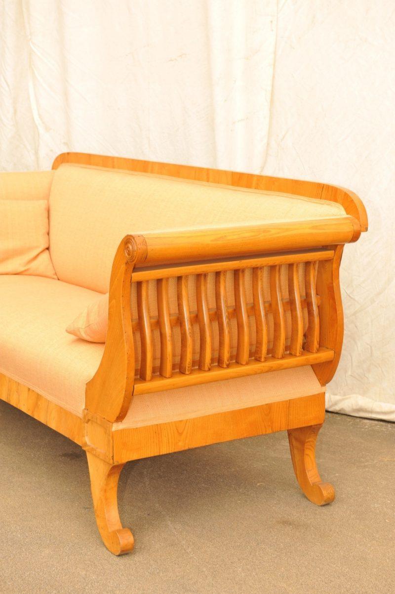 Detail: frühes Biedermeier Sofa