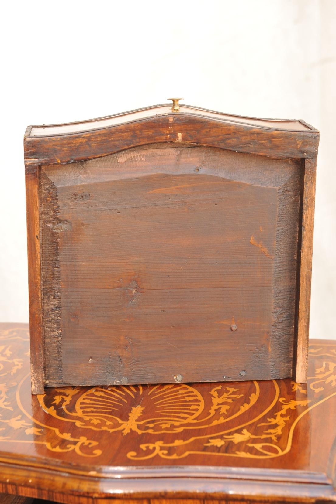 Pfeilerschränkchen , Frankreich Belle Epoche Detail