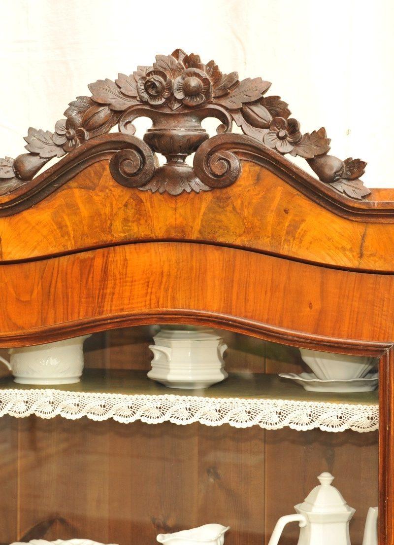 Kopfteil Geschirrschrank antik von 1870 Nussbaum furniert