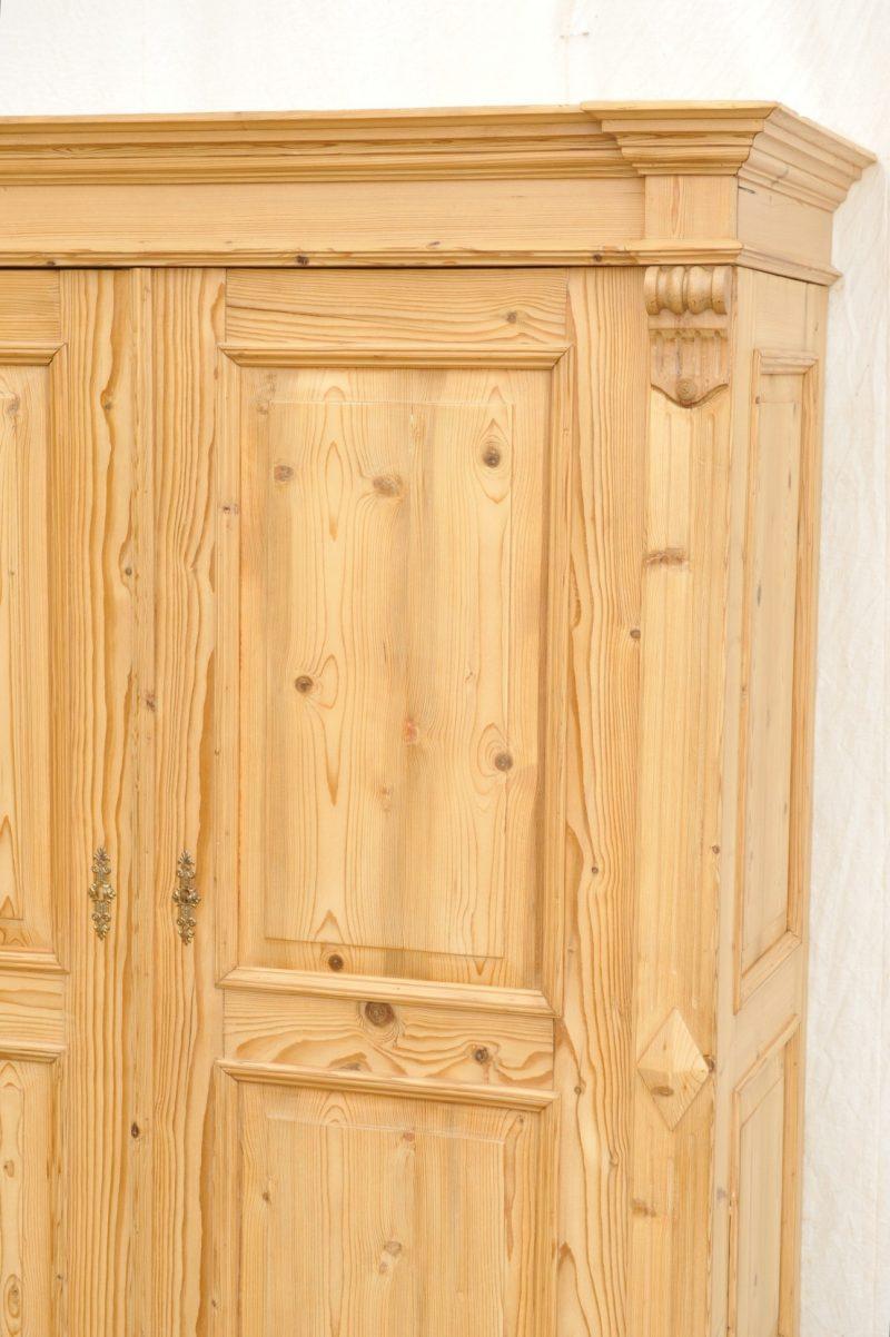 Detail zweitüriger kleiderschrank Gründerzeit Weichholz