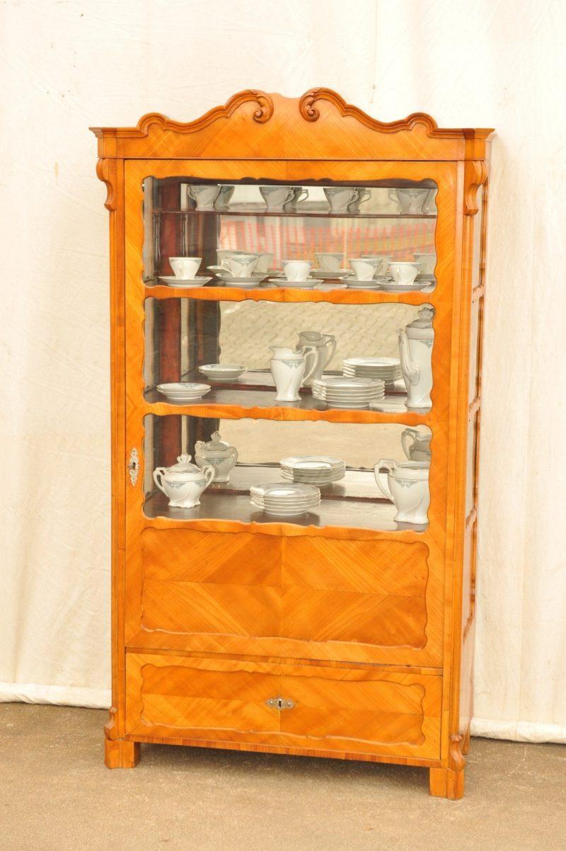 Vitrine dreiseitig verglast, Kirsche, Louis Philippe Stil