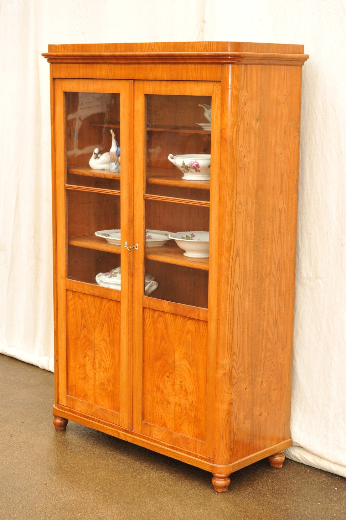 zweitüriger Bücherschrank Biedermeier