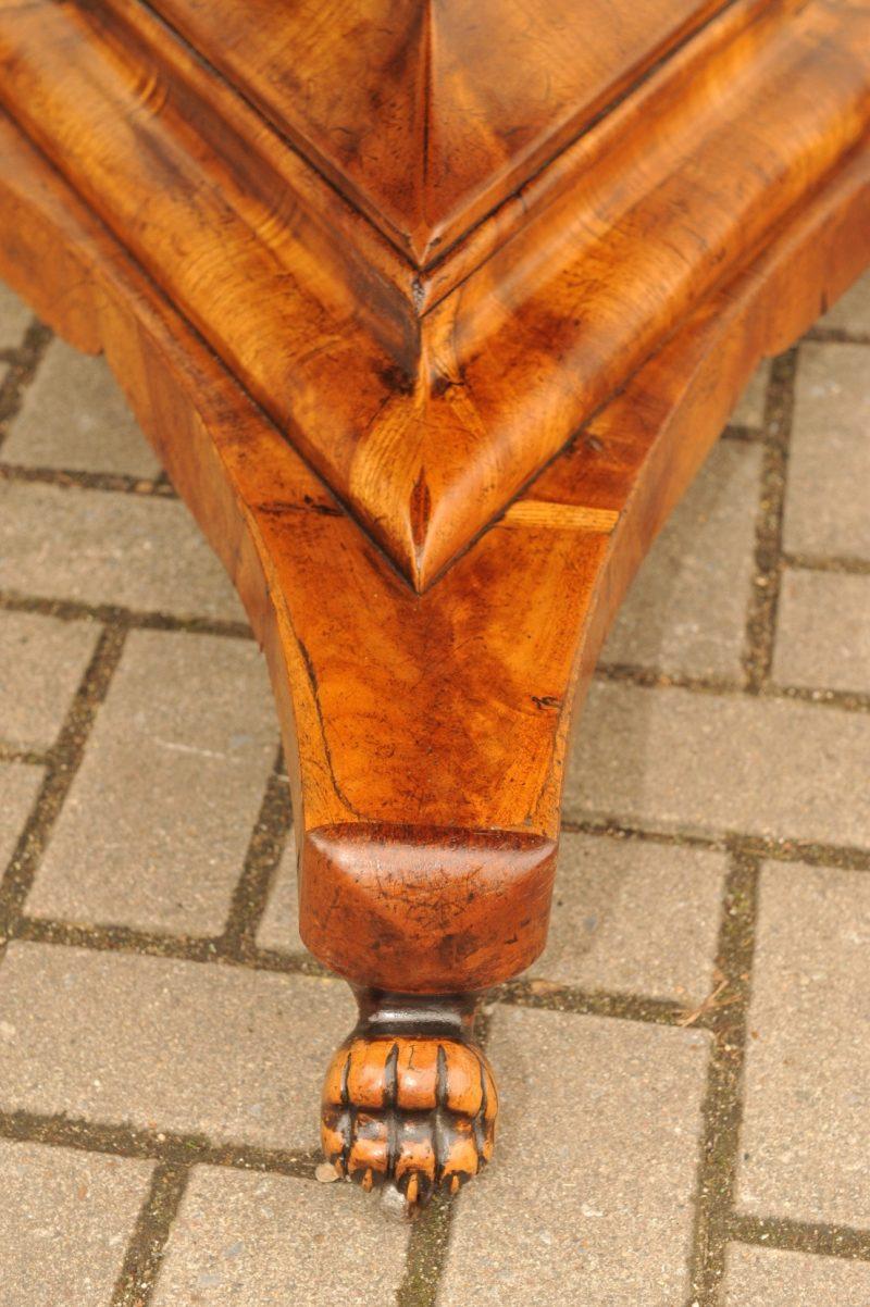 Detail runder Biedermeier Tisch Kirsche