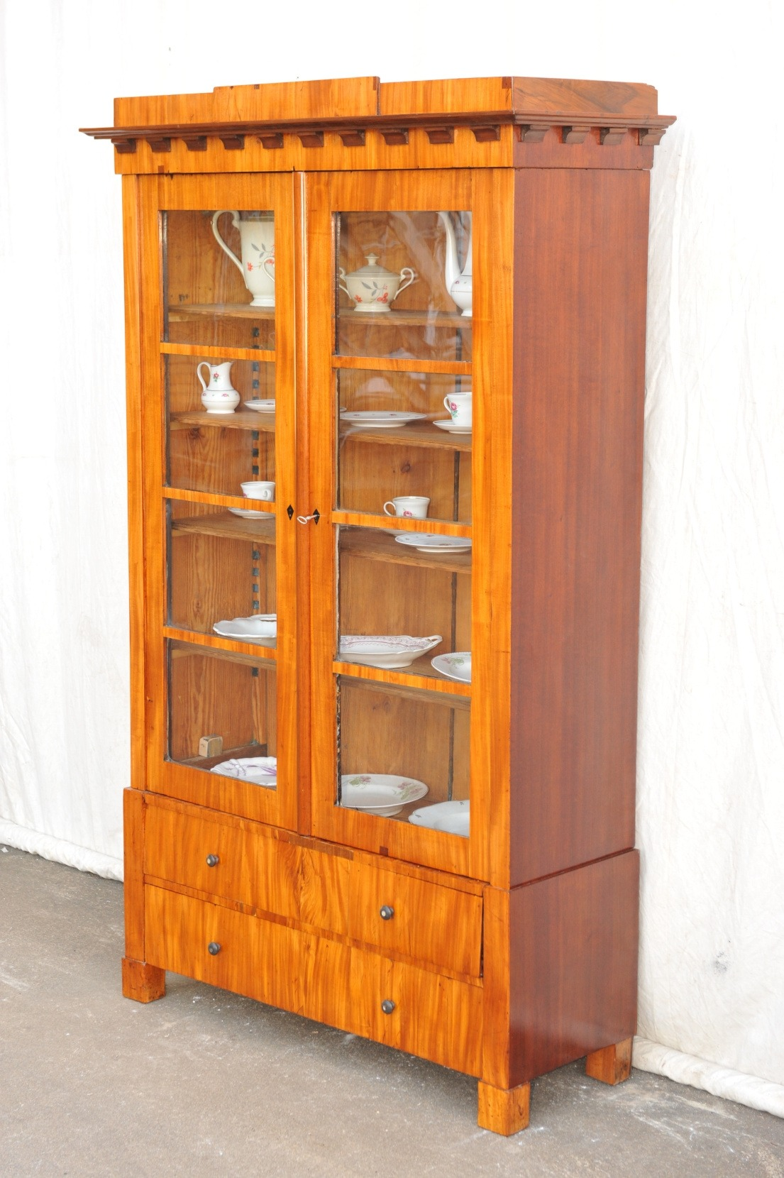 Biedermeier Bücherschrank Rosenholz und Mahagoni
