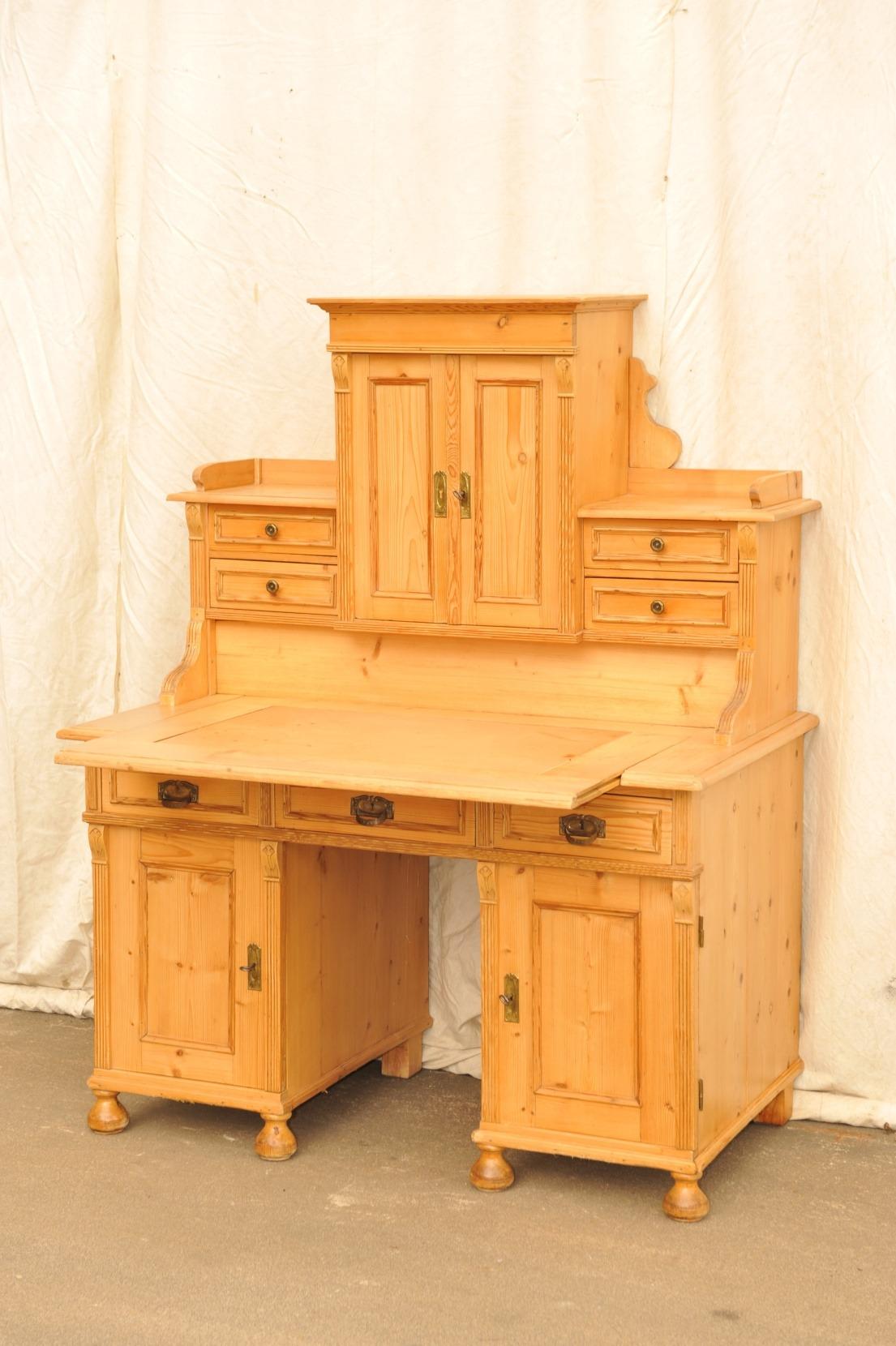 Weichholz Schreibtisch um 1900 erbaut